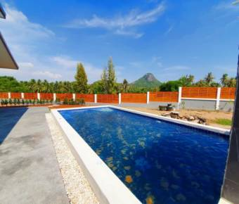 New, 3 Bedroom Pool Villa with Amazing Mountain Views