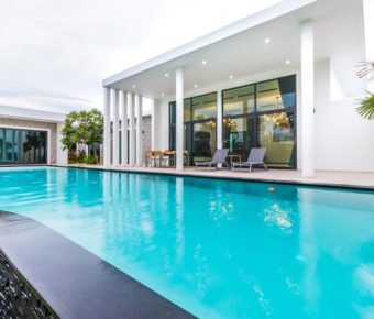 Contemporary, Large Scale 6 Bedroom Property with Sunset Views
