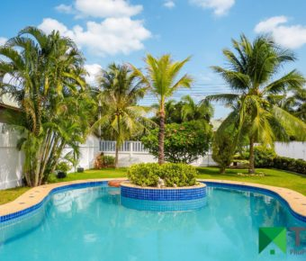 Beautiful, 3 Bedroom Pool Villa Close to Town