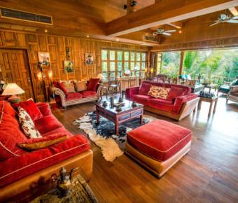 Absolute Luxury – 5 Star Accommodation Golf Property