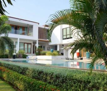 Stunning, Luxurious 5 Bedroom Property on a Golf Course