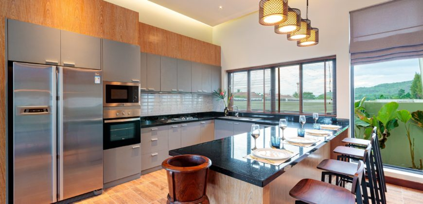 Panorama – Well-Designed Elegance nr Black Mountain
