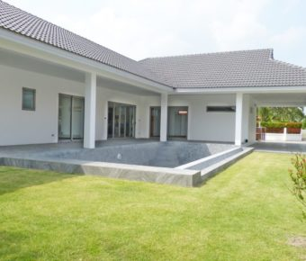 New 3 Bedroom Pool Villa on Completed Project
