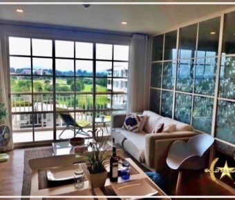 Beautiful Top Floor Apartment Overlooking the Golf Course