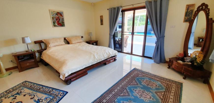 5 Bedroom 4 Bathroom Pool Villa with 358 sqm Living Area on a Plot Size of 1,234 sqm
