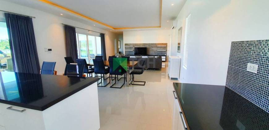 Deluxe Pool Villa with Mountain Views South of Hua Hin