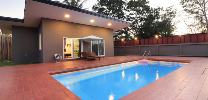 Unique Resort Style Property nr Majestic Golf Course