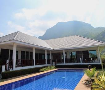 Spectacular Sam Roi Yot Property with Panoramic Mountain Views