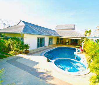 Lovely 3 Bedroom Pool Villa Soi 112