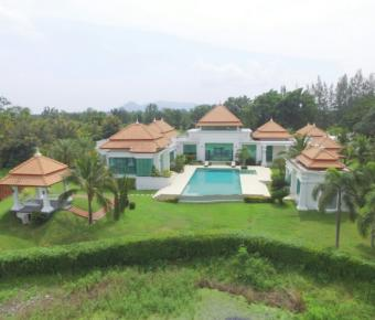 Golf Course Property with Magnificent Views