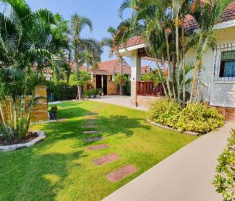Great Price for 2 Bedroom Pool Villa with Guesthouse