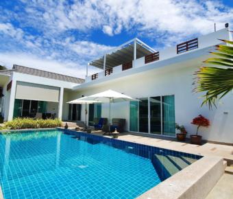 Beautiful Pool Villa With Mountain Views and Easy Access to Beaches
