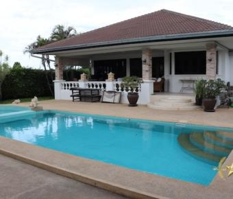 3 Bedroom Pool Villa nr Bluport