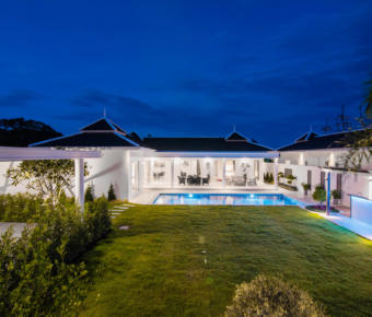 Quality 3 Bed Pool Villa – Mountain Views, Easy Access to Town