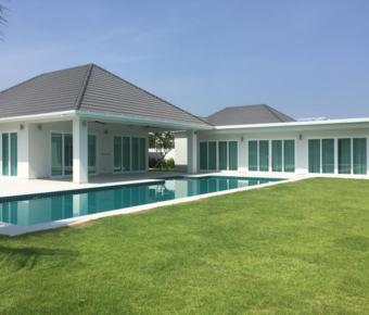 Exceptional 5 Bedroom Pool Villa with Mountain Views
