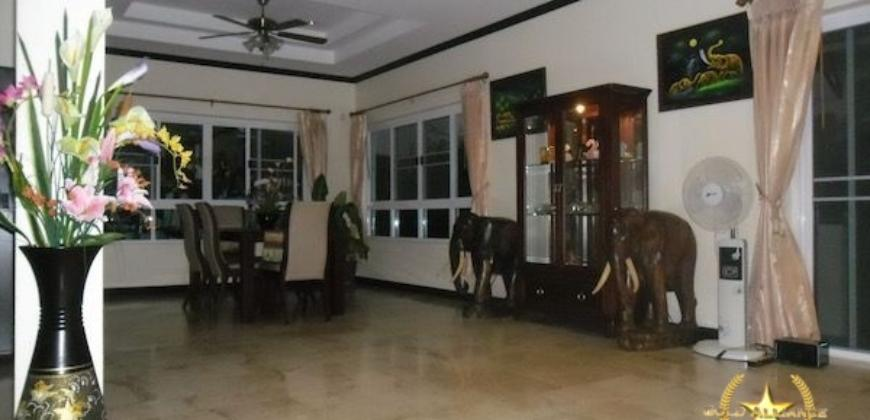 Amazing Deal for 4 Bedroom Property with Beautiful Garden