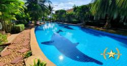 Great 2 Bed Townhouse with Direct Access to Huge Pool
