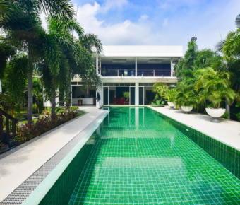 Contemporary Designer Villa with Views of Sam Roi Yot Mountains