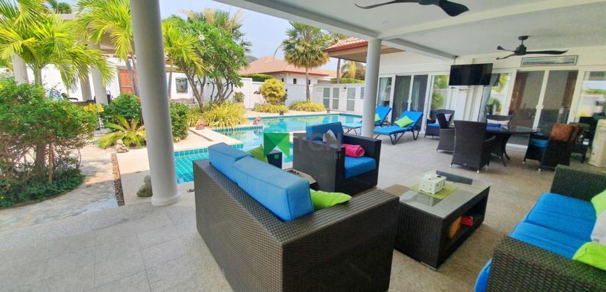 Beautiful 3 Bedroom Villa with Outdoor Barbecue