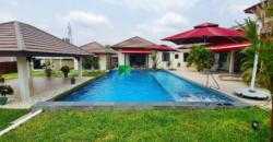 Large Pool Villa Perfect for Outdoor Living Minutes from Town