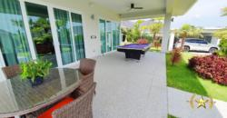 Stunning Deluxe Pool Villa with Guest House