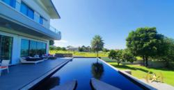 Stunning, Grand Golf Course Property