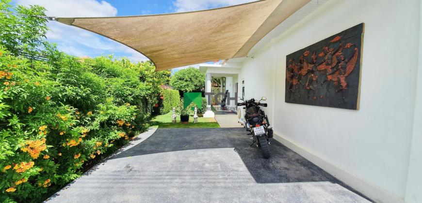 Well-Maintained 3 Bedroom Pool Villa in Great Location