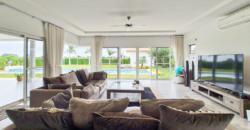 Pristine 3 Bedroom Mali Villa on Large Plot