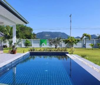 Beautiful 2 Storey Property with Breathtaking Views